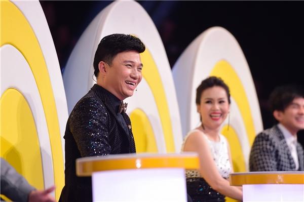 """""""Bộ tứ quyền lực"""" của cuộc thi gồm nam ca sĩ Quang Linh, Quang Dũng, Đan Trường và nữ ca sĩ Cẩm Ly đã có một đêm vớinhiều cảm xúc thật ý nghĩa. - Tin sao Viet - Tin tuc sao Viet - Scandal sao Viet - Tin tuc cua Sao - Tin cua Sao"""