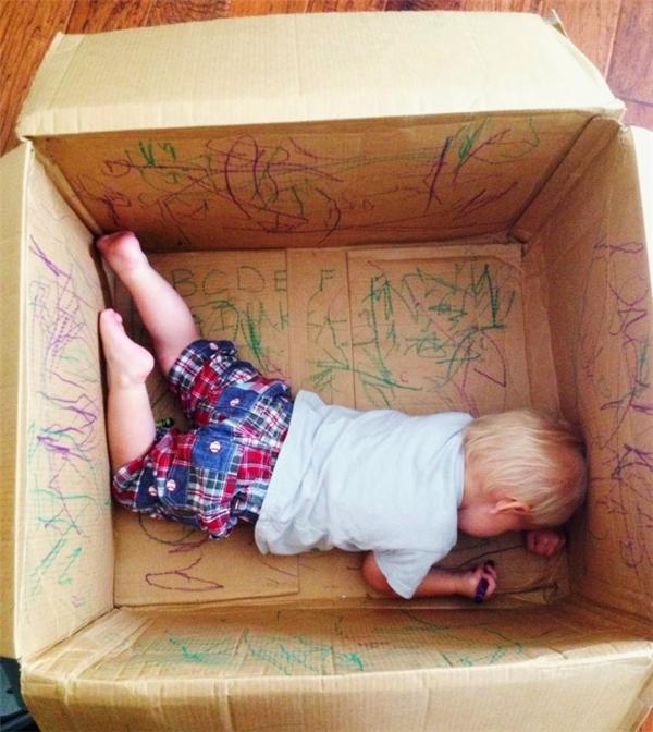 Chọn được con đường sự nghiệp làm thiết kế nội thất từ nhỏ, cậu bé này sẽ cứ tằng tằng mà tiến thôi. (Ảnh: berrysweetbaby)