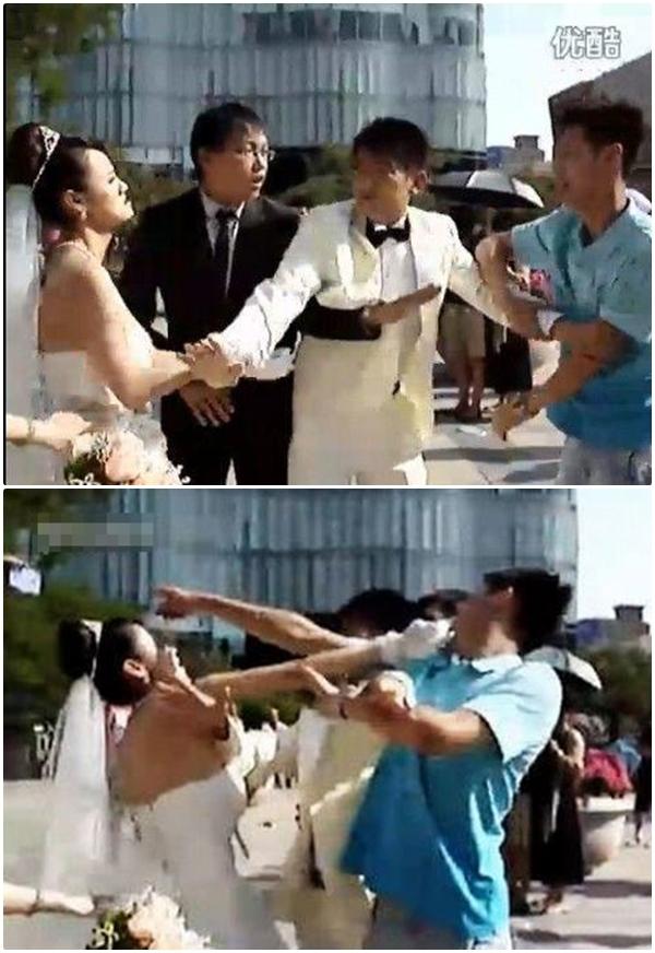 Cuộc đối đầu nảy lửa giữa hai kẻ tình địch khiến những người xung quanh đứng hình. (Ảnh: Internet)