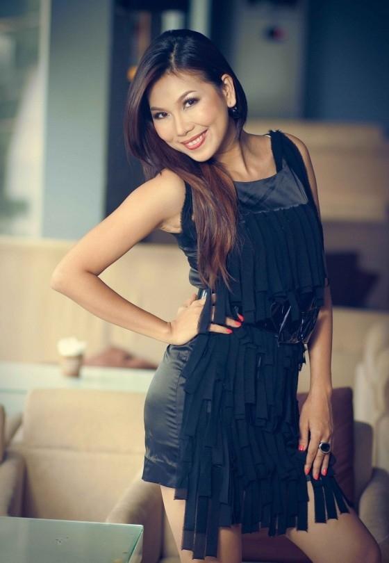 Nữ ca sĩ Khánh Ngọc từng đoạt giải Nhất cuộc thi Tiếng hát truyền hìnhnăm 2004 với tên thật là Nguyễn Thị Hồng Thanh. - Tin sao Viet - Tin tuc sao Viet - Scandal sao Viet - Tin tuc cua Sao - Tin cua Sao