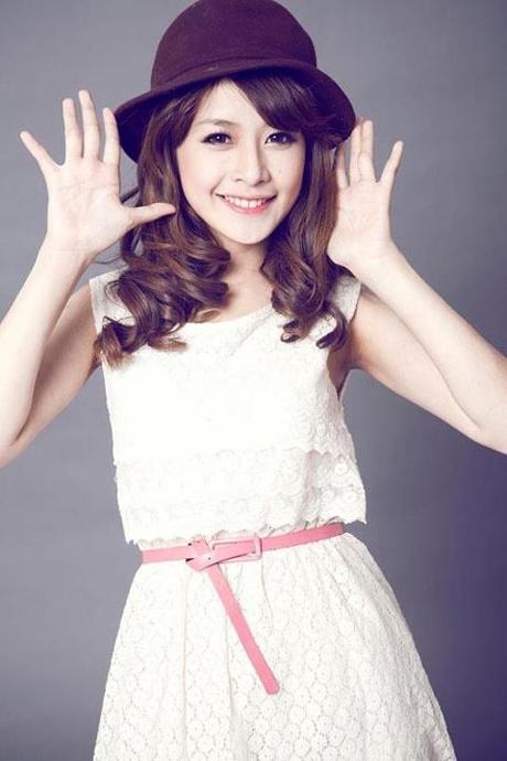Chi Pu tên thật là Nguyễn Thùy Chi, sinh năm 1993. Hot girl Hà Nội là gương mặt được yêu thích trong các chương trình quảng cáo, đóng phim, làm người mẫu ảnh cho các tạp chí tuổi teen kể từ khi lọt vào top 20 Miss Teen 2009. - Tin sao Viet - Tin tuc sao Viet - Scandal sao Viet - Tin tuc cua Sao - Tin cua Sao