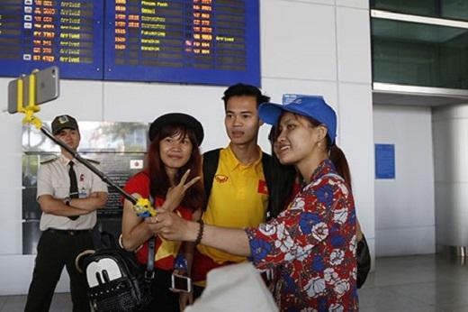 Ngay sau khi xuất hiện, Văn Toàn nhận được sự quan tâm đặc biệt của nhiều fan nữ