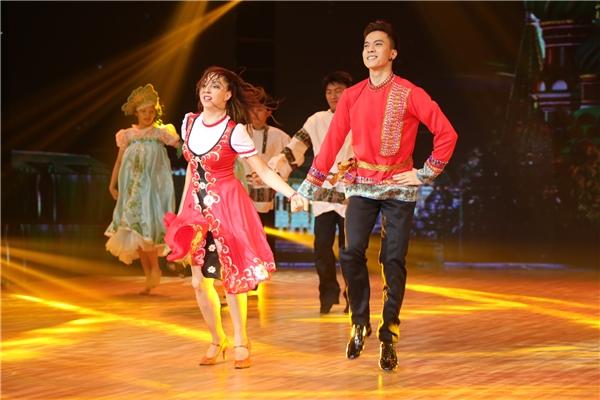 """Riêng S.T, anh sẽ """"đốn tim"""" người hâm mộ với vũ điệu sử dụng đôi chân linh hoạt của người dânnước Nga. - Tin sao Viet - Tin tuc sao Viet - Scandal sao Viet - Tin tuc cua Sao - Tin cua Sao"""