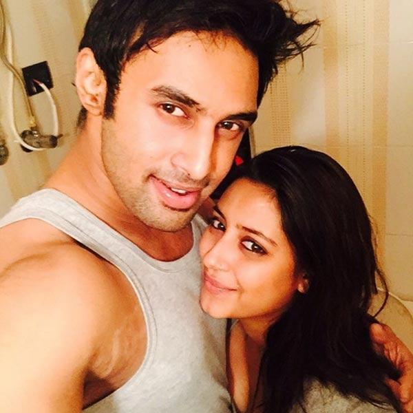 Pratyusha rất yêu Rahul và trân trọng từng khoảnh khắc bên anh. (Ảnh: Internet)