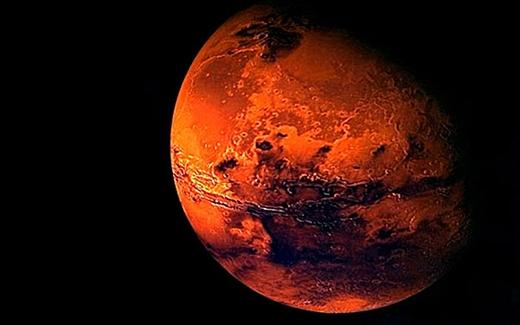 Một ngày trung bình trên sao Hỏa dài 24 giờ 37 phút, so với Trái Đất là 23 giờ 56 phút. Như vậy, mỗi năm trên Trái Đất có 365 ngày trong khi sao Hỏa lên tới 687 ngày. Bạn cứ tưởng tượng, nếu ở Trái đất bạn 20 tuổi thì khi lên Sao Hỏa, bạn chỉ được tính là 10 tuổi thôi đấy nhé! (Ảnh: Internet)