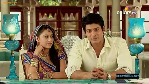 Những ánh mắt đầy biểu cảm bộc lộ rất rõ tình cảm trong lòng nhân vật Anandi. (Ảnh: Internet)