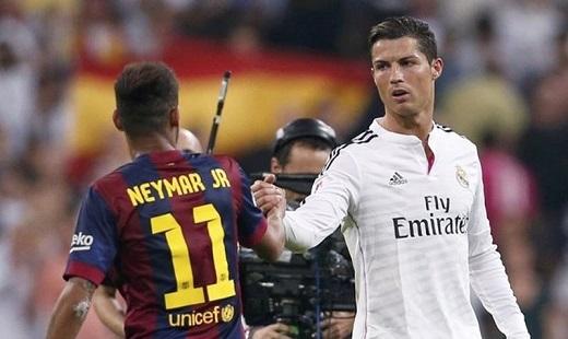 Neymar không hề thua kém Ronaldo cả trong và ngoài sân cỏ. (Ảnh: Internet)
