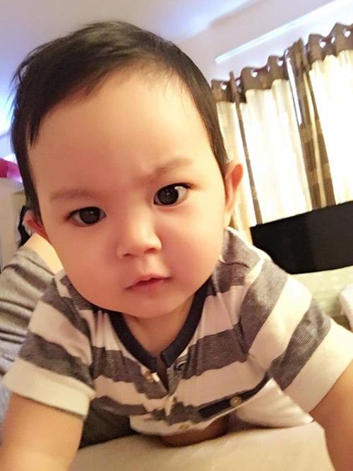 Kubi hiện đang là một trong những nhóc tì nhà sao được công chúng quan tâm nhiều trên mạng xã hội. - Tin sao Viet - Tin tuc sao Viet - Scandal sao Viet - Tin tuc cua Sao - Tin cua Sao