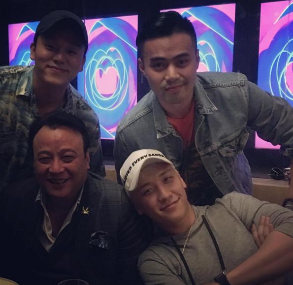 Những hình ảnh thân thiết của Seung Ri với gia đình Denis Do vào tối qua.