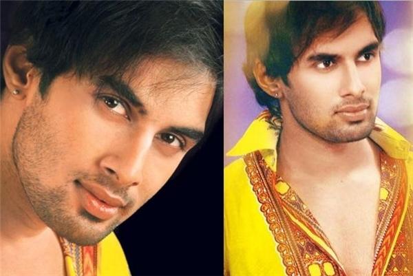 Rahul Raj Singh tham gia một vài bộ phim truyền hình với các vai nam chính, trong đó cóvai Vansh Sheel Kumar trong bộ phimMata Ki Chowki trên kênhSahara One. Tuy vậy thời gian này, anh thường bị đánh giá là thiếu chuyên nghiệp khi đểxảy ra nhiềumâu thuẫn với nhà sản xuất.