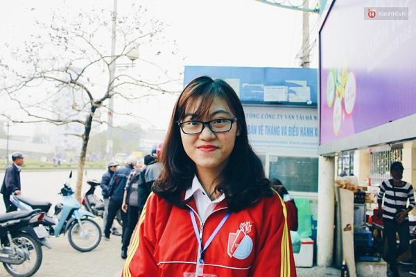 Hồng Oanh (sinh viên ĐH Lao động & Xã hội).