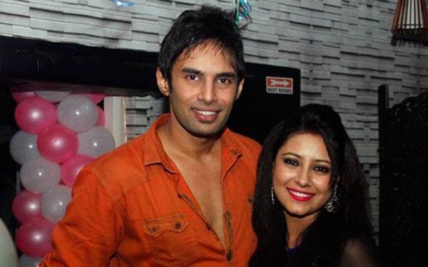 Pratyusha và bạn trai