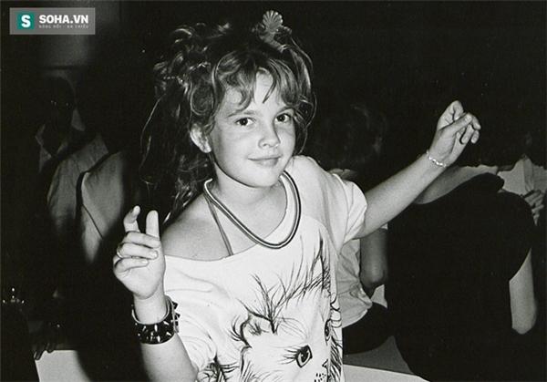 Sao nhí Drew tại một club năm 1984. (Ảnh: Internet)