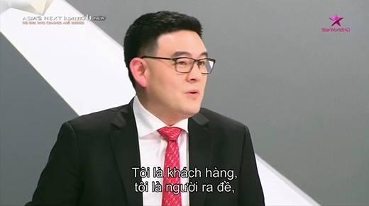 Vì dám trừng mắt với BGK, mẫu Hàn Quốc bị mắng té tát trên sóng truyền hình