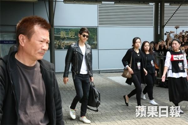 """Fan Hồng Kông """"phát cuồng"""" trước cặp đôi Hậu duệ Mặt Trời"""