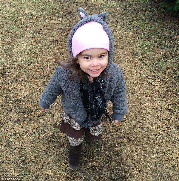 Cô bé Macy Grace nhập viện ngày 2/12/2015 với đầy những thương tích nguy hiểm đến tính mạng và mất 2 ngày sau đó, 4/12/2015. (Ảnh: Internet)