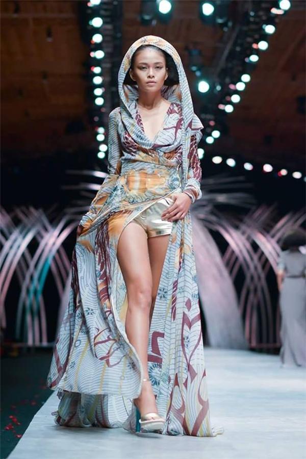 Với gương mặt hài hòa giữa yếu tố thời trang cao cấp và tính thương mại, Mâu Thủy hứa hẹn sẽ trở thành một nhân tố sáng giá tại thị trường trong nước và vươn xa quốc tế.