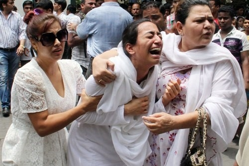 Nước mắt của bậc sinh thành sau khi con gái qua đời. (Ảnh: Internet)