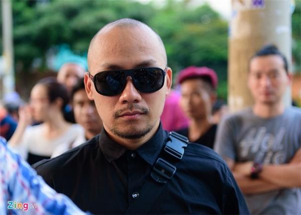 Tiến Đạt có dịp làm việc với nhà quay phim 45 tuổi ở Cuộc đua kỳ thú năm nay. Cả 2 gặp nhau tại sân bay ở Australia trước khi Quốc Hương bị tử nạn.