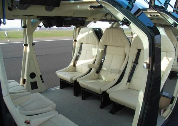 Hành khách sẽ được tận hưởng những điều kiện xa xỉ không khác một chiếc limousine hay chuyên cơ riêng.(Ảnh: DriveArabia.com)
