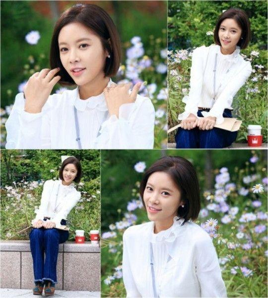 Tóc bob chạm cằm ép cụp tạo nét tự nhiên trong trẻo và nữ tính vô cùng cho khuôn mặt và phong cách của Hwang Jung Eum.