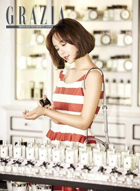 Từ sau bộ phim này, Hwang Jung Eum chọn luôn tóc bob ngắn cho phong cách và hình ảnh của mình. Trong phim người đẹp chuộng kiểu tóc cắt ngắn để thẳng tự nhiên, còn ngoài đời Hwang Jung Eum biến tấu nhiều hơn.
