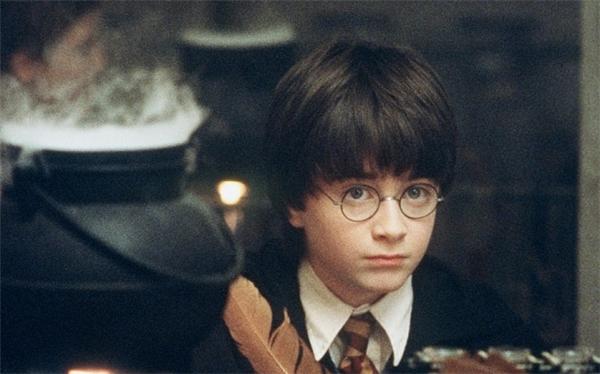 10 năm trôi qua rồi, ước mơ học cùng trường với Harry Potter đã đi về nơi xa lắm rồi.(Ảnh: Internet)