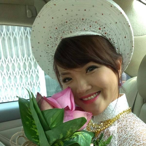 Ngày Phụng rạng ngời hạnh phúc làm cô dâu