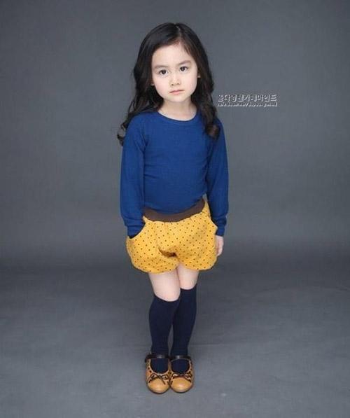 Hình ảnh của cố bé Yoon Da Young từng một thời gây sốt làng giải trí Hàn Quốc và cộng đồng người Việt Nam.