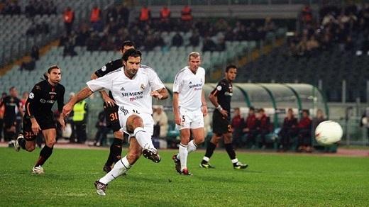 2. Luis Figo | 10 bàn thắng. (Ảnh: Internet)