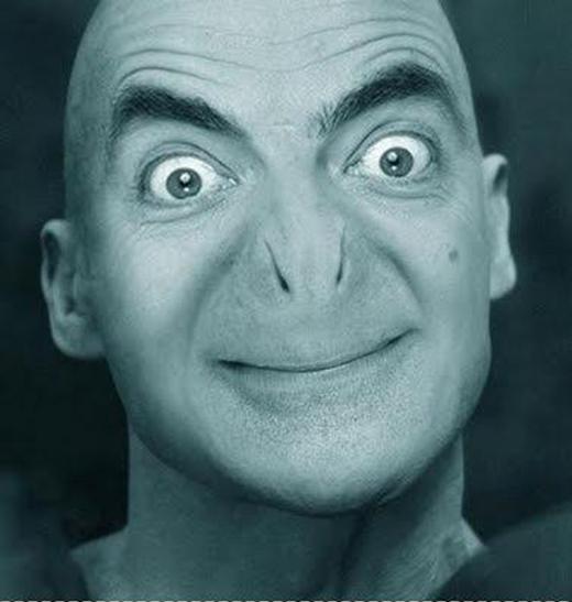 Voldermort vốn không có lỗ mũi nhưng VolderĐậu phải rạch hai lằn để thở, kẻo không thì chết ngạt trước khi quay xong phim. (Ảnh: Internet)