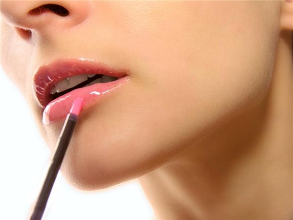 Son môi - một trong những vũ khí tối thượng của pháiđẹp.