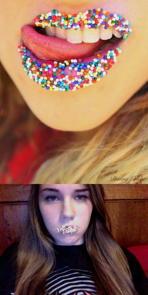 Chuyện gì đã xảy ra với đôi môi đầy kẹo này? (Ảnh: Internet)