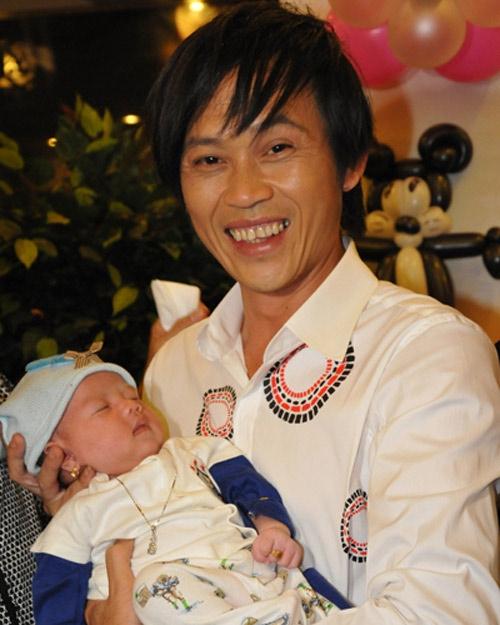 Hoài Linh và con gái nuôi - con gái của nghệ sĩ hài Hồng Tơ - Tin sao Viet - Tin tuc sao Viet - Scandal sao Viet - Tin tuc cua Sao - Tin cua Sao
