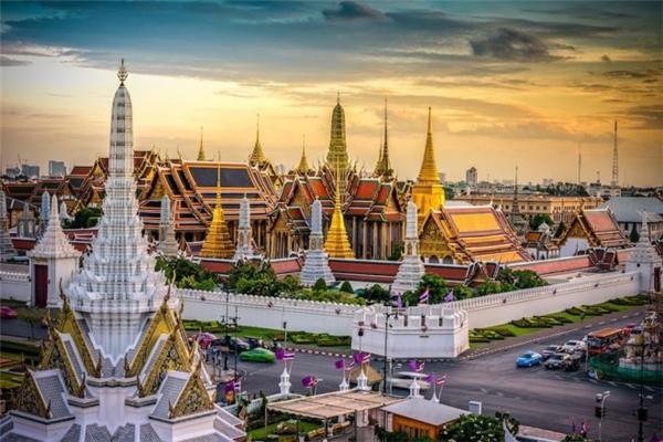 3. Bangkok, Thái Lan: Từ lâu thủ đô của Thái Lan đã là điểm đến yêu thích của dân du lịch bụi, với nền văn hóa và ẩm thực đặc sắc. Chi phí cho một ngày ở tại Bangkok vào khoảng 86,82 USD.