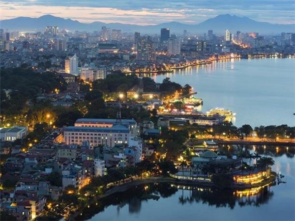 Chi phí rẻ, khoảng 89,25 USD một ngày, cũng là điểm cộng lớn thu hút du khách quốc tế tới Hà Nội.