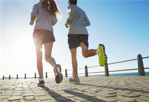 Vận động sau khi ăn có hại cho hệ tiêu hóa. (Ảnh: Internet)