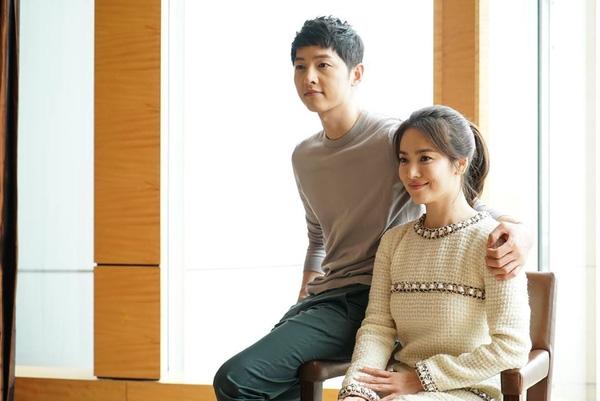 Song Hye Kyo - Song Joong Ki đẹp lung linh như đôi tình nhân ở Hồng Kông
