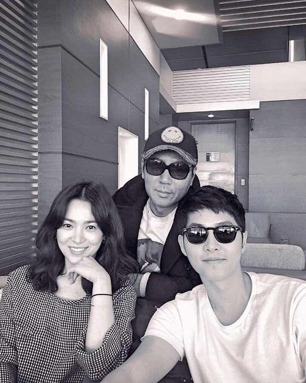 Song - Song check-in trước giờ họp báo quảng bá phim tại Hồng Kông vào hôm qua.(Ảnh: Internet)
