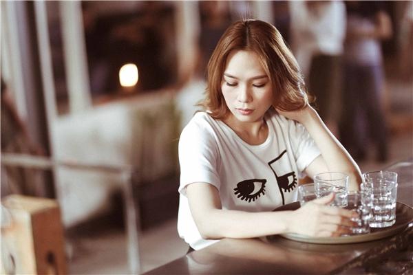 Bên cạnh lượt view cao, Mỹ Tâm cũng nhận được vô số lời khen tặng cho giọng hát và diễn xuất của mình trong MV mới.