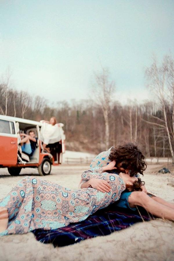 Khoảnh khắc tình tứ khó quên của các cặp đôi yêu nhau luôn là đề tài hấp dẫn đối với bất kỳ một nhiếp ảnh gia nào.