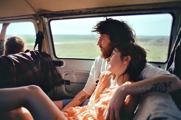 Yêu là được cùng nhau rong ruổi khắp nơi...