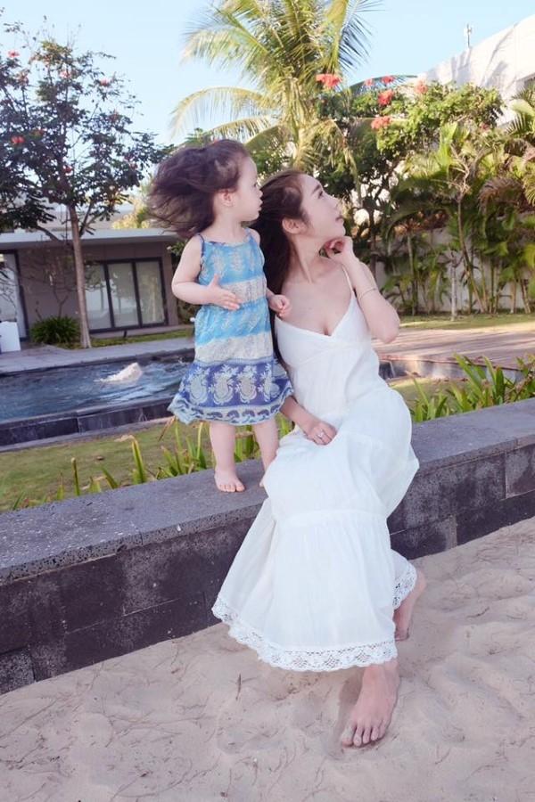 2 mẹ con đẹp như 1 thiên thần - Tin sao Viet - Tin tuc sao Viet - Scandal sao Viet - Tin tuc cua Sao - Tin cua Sao