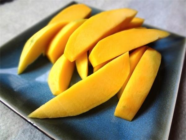 Đồ chua: cơ thể bị thiếu ma-giê. Cần bổ sung trái cây, rau xanh và các loạt đậu đỗ.