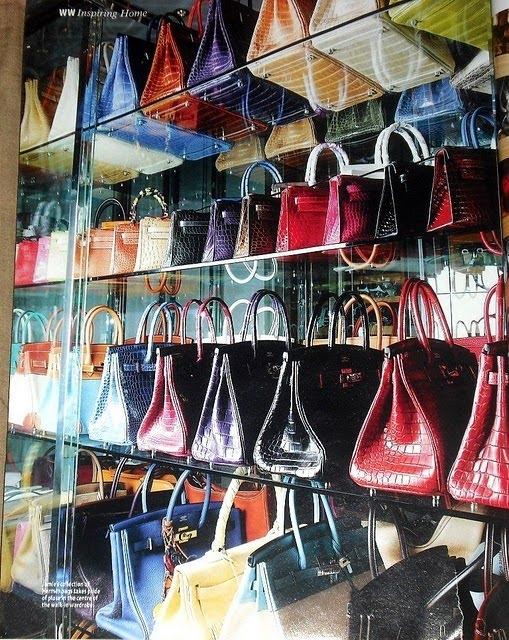 Tủ đựng bộ sưu tập túi của Jamie Chua.