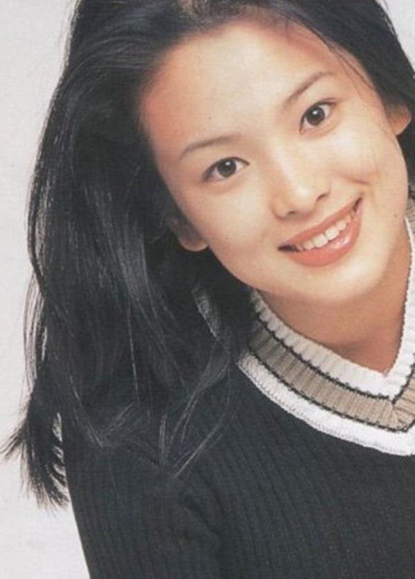 Những bức ảnh thuở xa xưa cho thấy vẻ đẹp trời phú của Song Hye Kyo