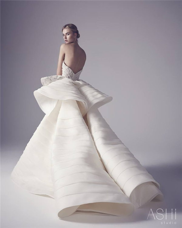 """Những chiếc váy cưới này sẽ khiến các cô gái chỉ muốn """"cưới liền tay"""""""