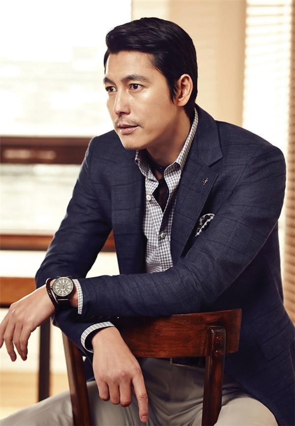 Không cần là quân nhân, Song Joong Ki vẫn lung linh trong bộ ảnh thời trang mới