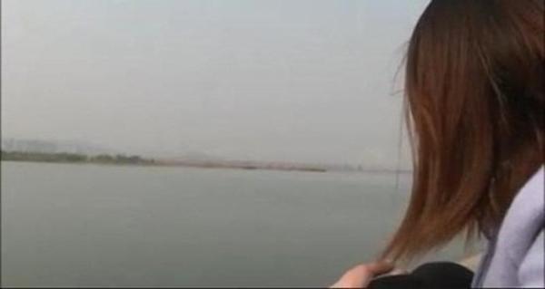 Cô gái 9x tự tử vì người tình 69 tuổi đòi chia tay.