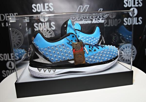 Đôi giày sneaker có giá trên 4 triệu USD.